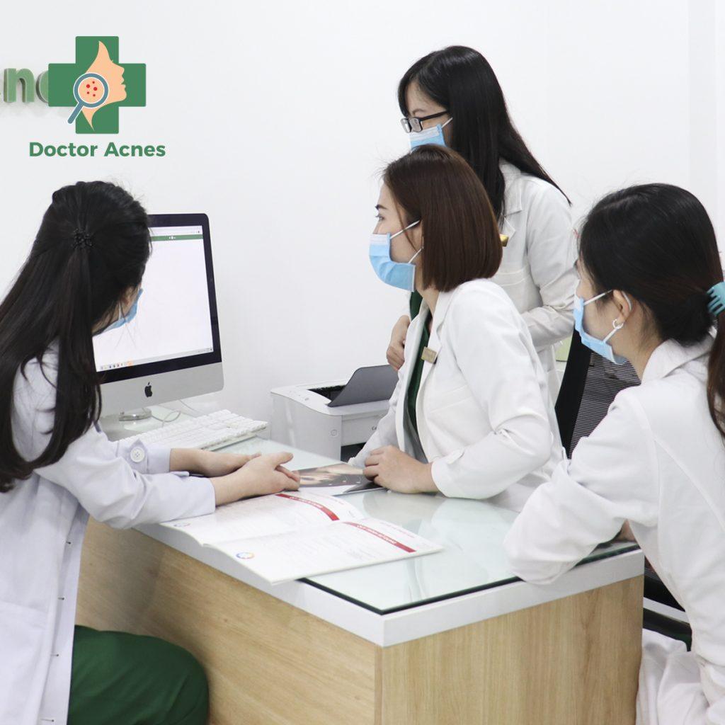 bác sĩ hội chẩn Doctor Acnes